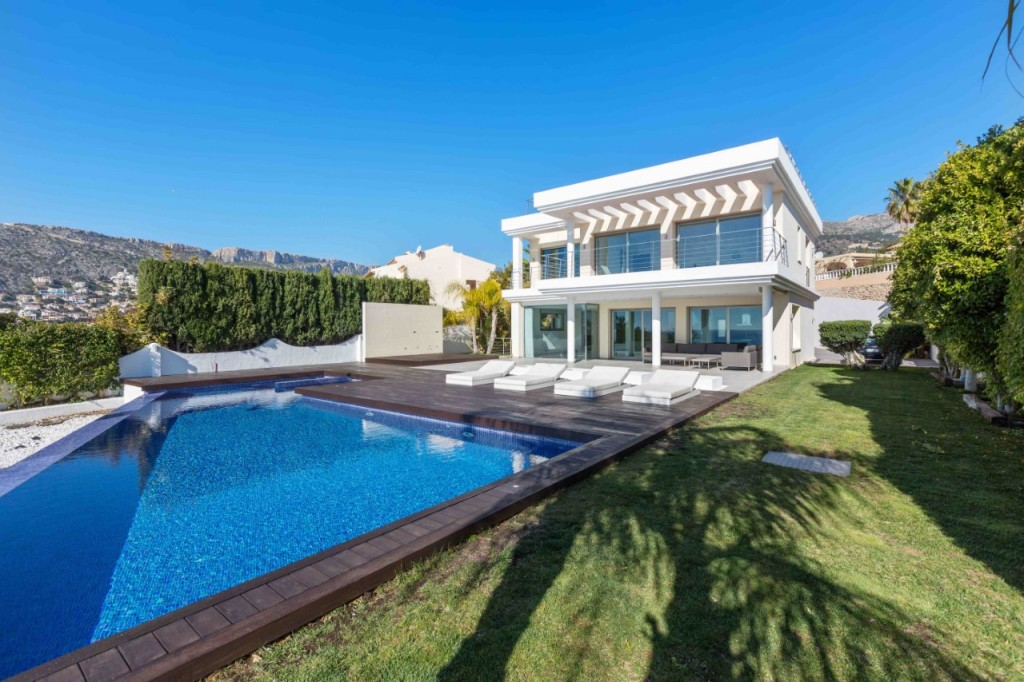 Luxury Properties For sale In Calpe From Hola Properties