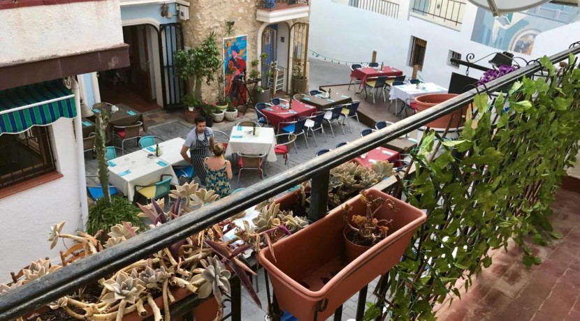 Great Bar With 1 Bed Apartment For Sale Old Town Calpe